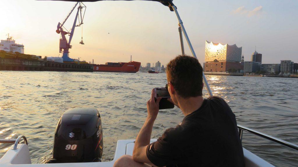 Praxistraining CRUISER-Törn im Hamburger Hafen mit der MERIDIAN II