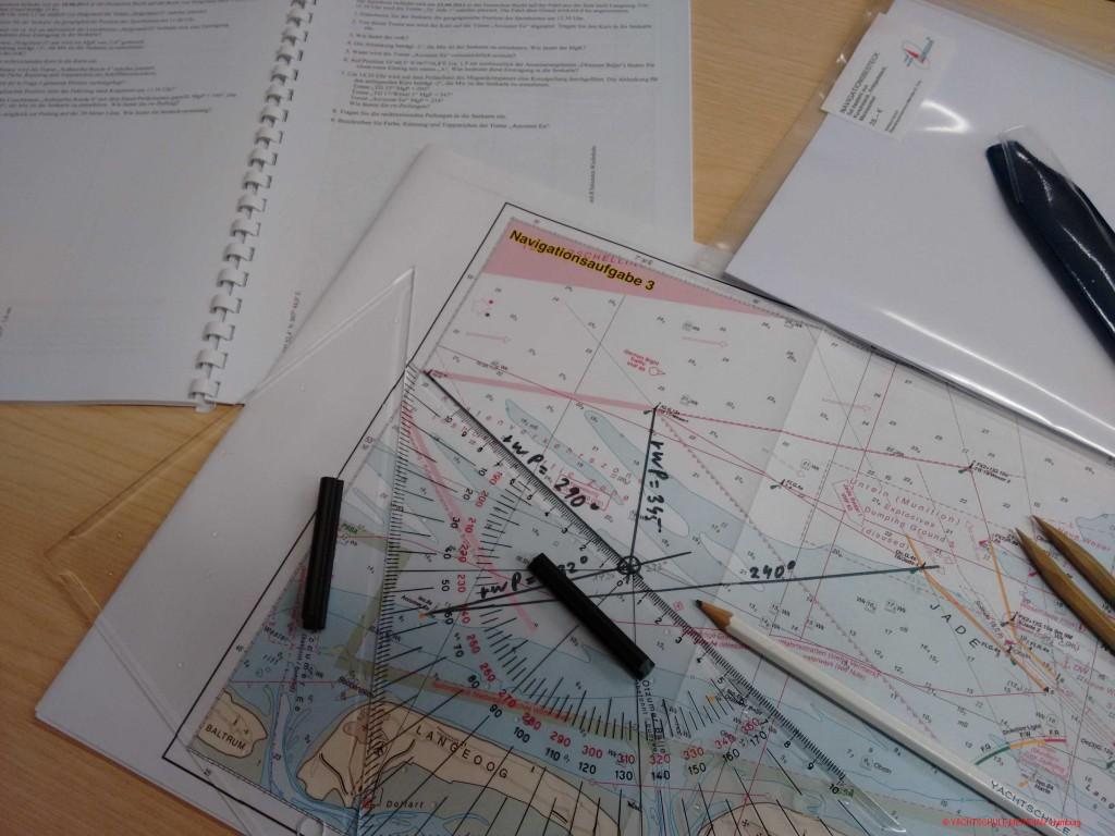 Seekartenausschnitt einer Kartenaufgabe zum Sportbootführerschein