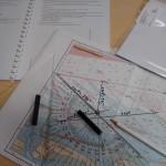 Navigation an einem Seekartenausschnitt einer Kartenaufgabe zum Sportbootführerschein See
