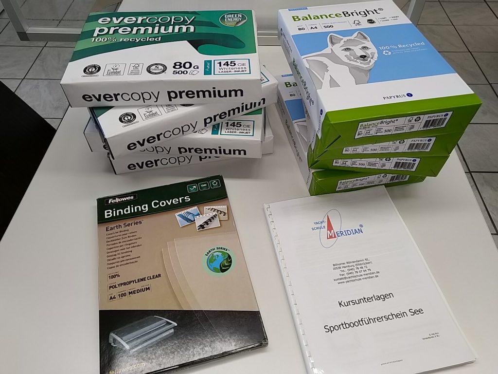 Kursunterlagen aus Recycling-Papier und Recycling-Deckfolien