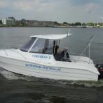 Die Meridian II hat einen Außenbordmotor mit 90 PS