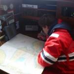 Navigationstisch an Bord einer Yacht