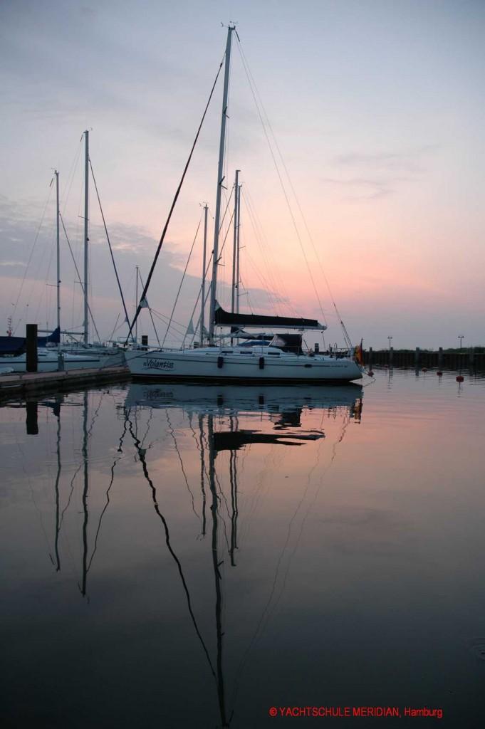 Morgendämmerung im Hafen